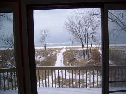 1642 Lakeshore Dr - Photo 2
