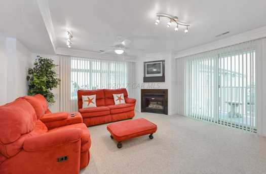 107 Somerset St #304 - Photo 2
