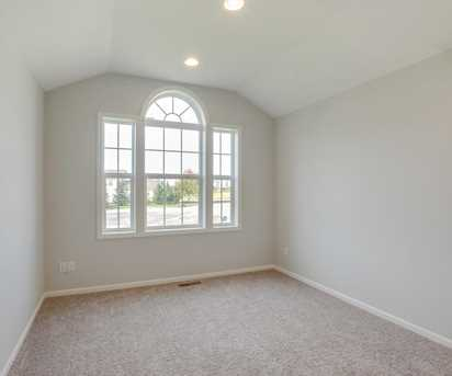 1470 Water Tower Place Ne - Photo 18