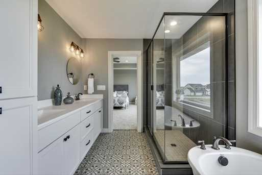 8206 157th Terrace - Photo 12