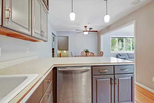 10475 Valley Forge Lane N - Photo 8