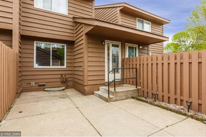 2436 Crestwood Drive - Photo 1
