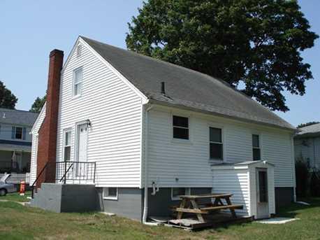 418-B Barnes St #1 - Photo 2