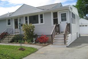 15 Montrose Avenue - Photo 1