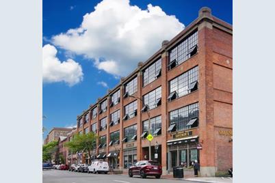 144 Charles Street, Unit 2-13 - Photo 1