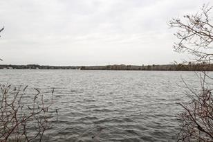 92 Lakeside Dr East - Photo 1