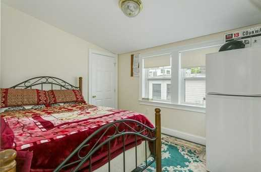 16 Eliot Crescent #2 - Photo 4