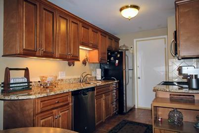 600 Governors Dr #10 - Photo 1