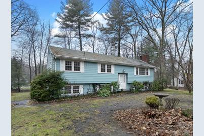 11 Winchester Dr - Photo 1