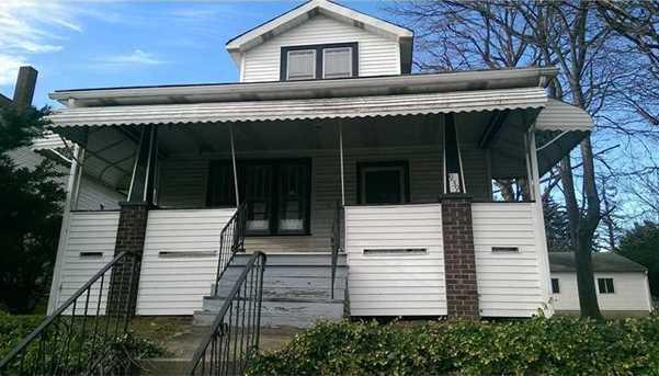 939 Warren Ave - Photo 1