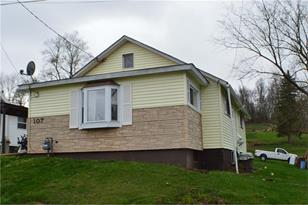 107 Lawrence Ave - Photo 1
