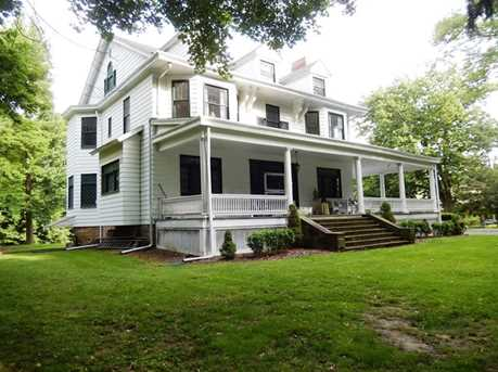 116 Pine Manor - Photo 1