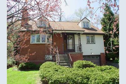 2411 McMonagle Ave - Photo 1