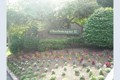 4004 Charlemagne Circle - Photo 1