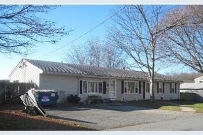 157 Maryland Ave - Photo 1