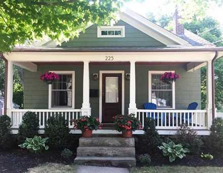 225 Commonwealth Ave - Photo 1
