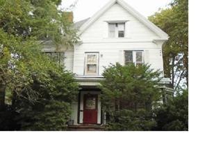 29 Gorham Ave - Photo 1