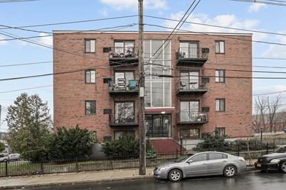 39 Crescent Ave #3 - Photo 1