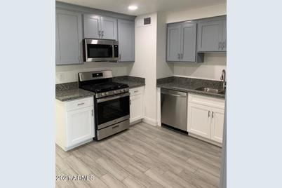 11403 N 113th Avenue - Photo 1