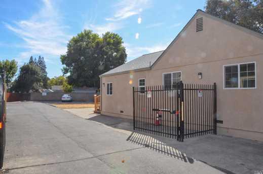 1082 Monte Vista Drive - Photo 4