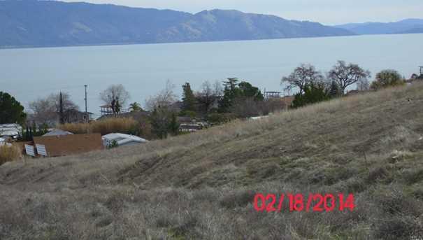 375 Lakeview Drive - Photo 4