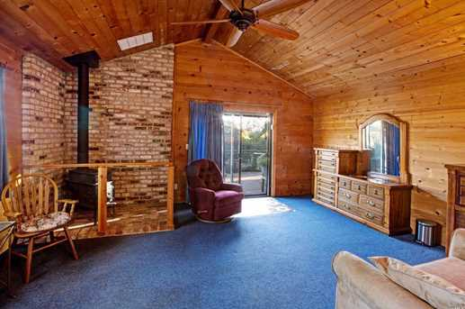 17575 Carriger Road - Photo 14