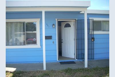 981 Santa Barbara Drive, Santa Rosa, CA 95404