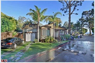 Fabulous 153 Paradise Cove Malibu Ca 90265 Home Interior And Landscaping Spoatsignezvosmurscom