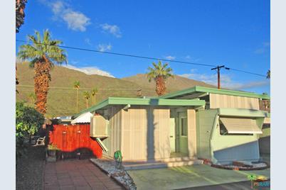 99 Caravan St Palm Springs CA 92264