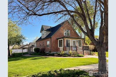 319 E Colorado Ave - Photo 1