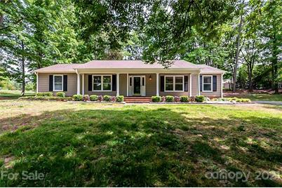 10809 Valley Hill Road - Photo 1