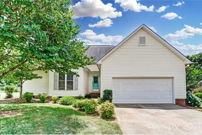 1527 Spring View Drive - Photo 1