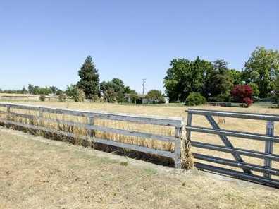 8480 Pleasant Grove Rd - Photo 2