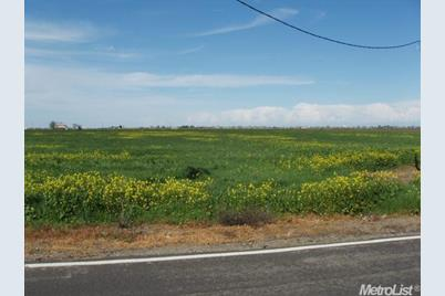 835 Dos Reis Rd - Photo 1
