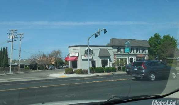 730 West F St - Photo 2