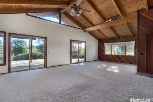 10671 Valley Drive - Photo 8