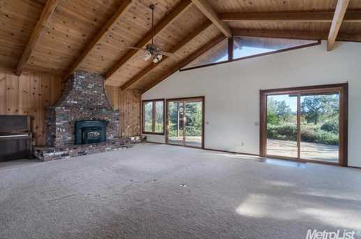 10671 Valley Drive - Photo 6