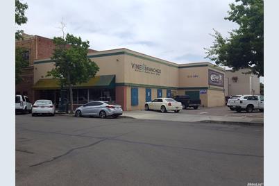 110 West Oak Street - Photo 1