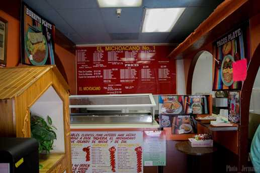 5681 Franklin Boulevard - Photo 4