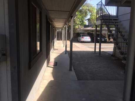 1047 West 19th Street - Photo 16