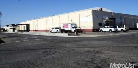 855 West 15th Street - Photo 4