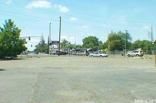 2200 Marconi Ave - Photo 2