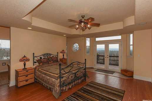 21380 Meadow Oaks Lane - Photo 18