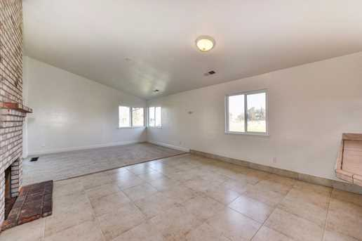 6151 Dill Court - Photo 10