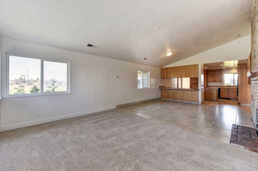 6151 Dill Court - Photo 16