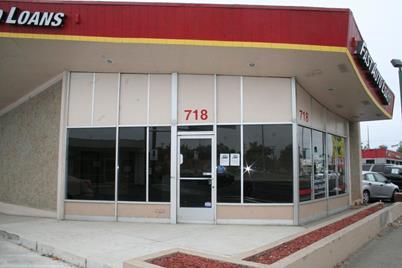 718 10th Street - Photo 1