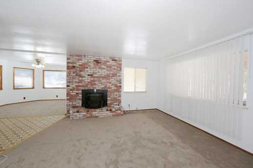 25795 Meadow Dr - Photo 4