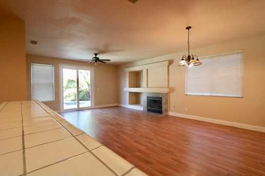8825 Coral Berry Way - Photo 4