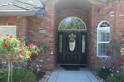 10414 Oakwilde Avenue - Photo 1