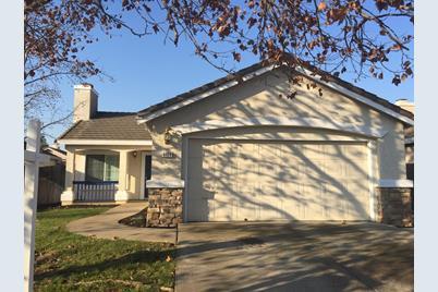 9460 Oak Village Way - Photo 1
